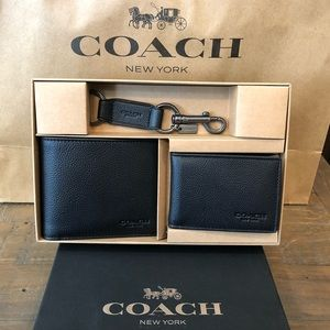 NWT Authentic Coach Wallet & Key Chain Gift Set